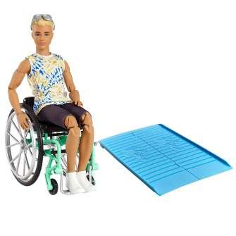 ken fashionista muñeco con silla de ruedas, rampa y accesorios de moda (mattel gwx93)